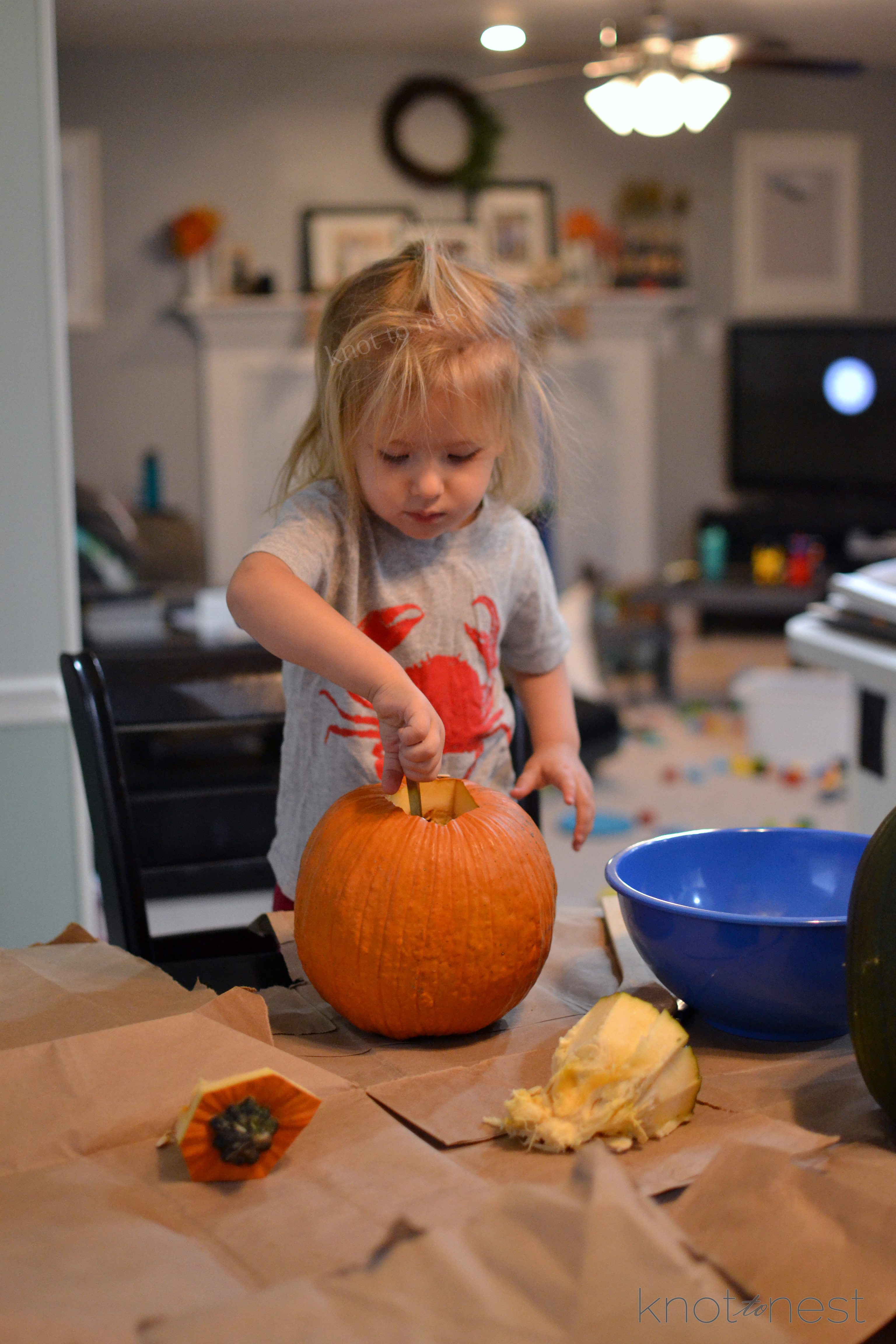 carving pumpkins with toddlers