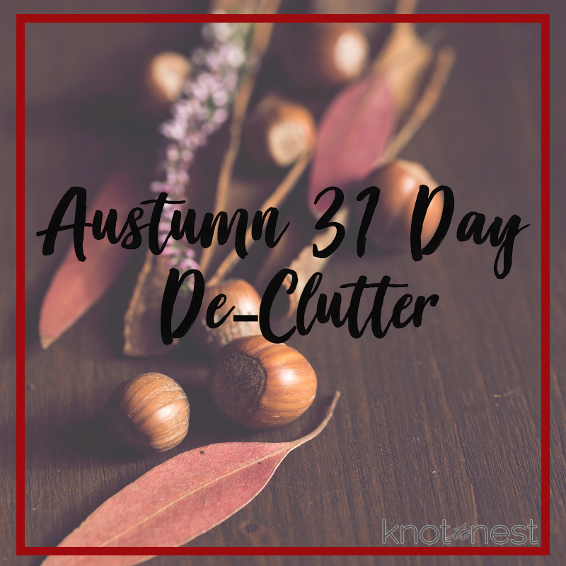 Use this free, printable 31 day de-clutter plan to get your home in order for autumn